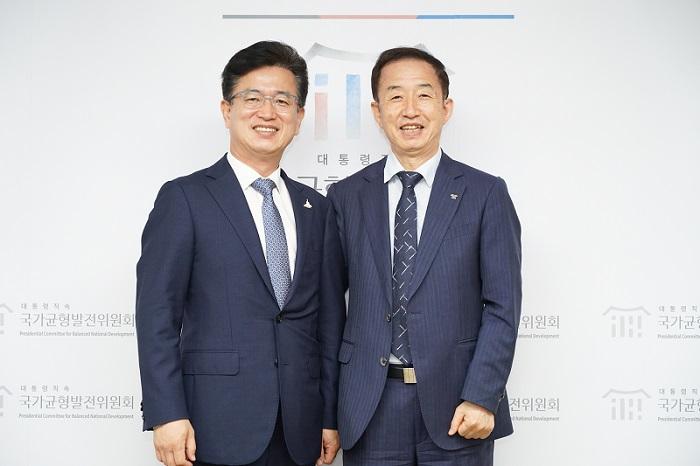 김사열 위원장, 허태정 대전시장 면담 사진