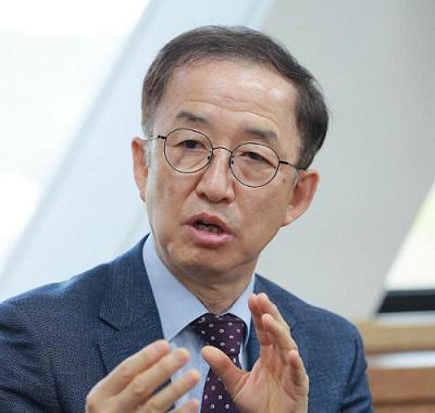 김사열 위원장, 아주경제 인터뷰 사진